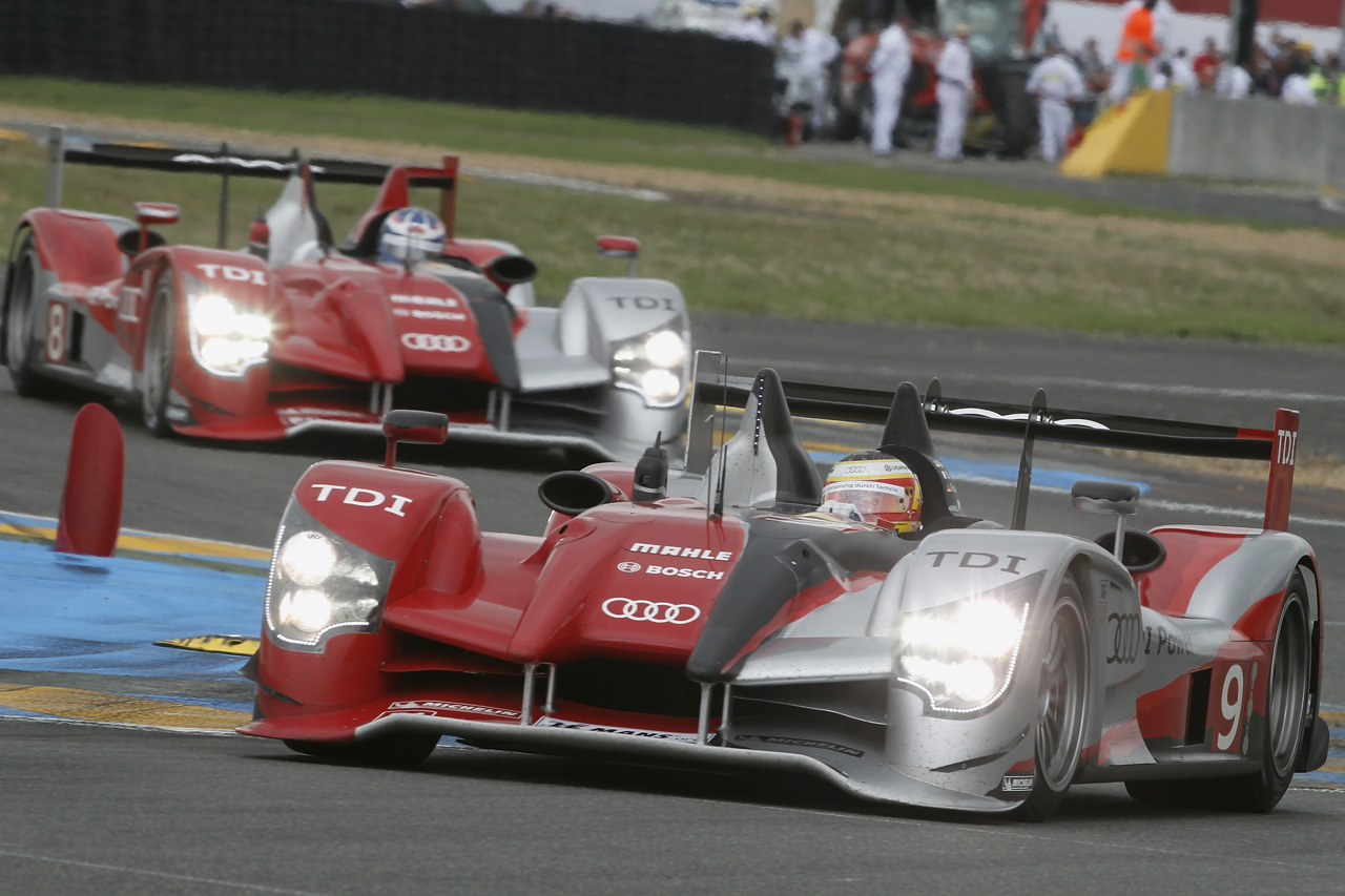 Audi R15 Plus Le Mans racer