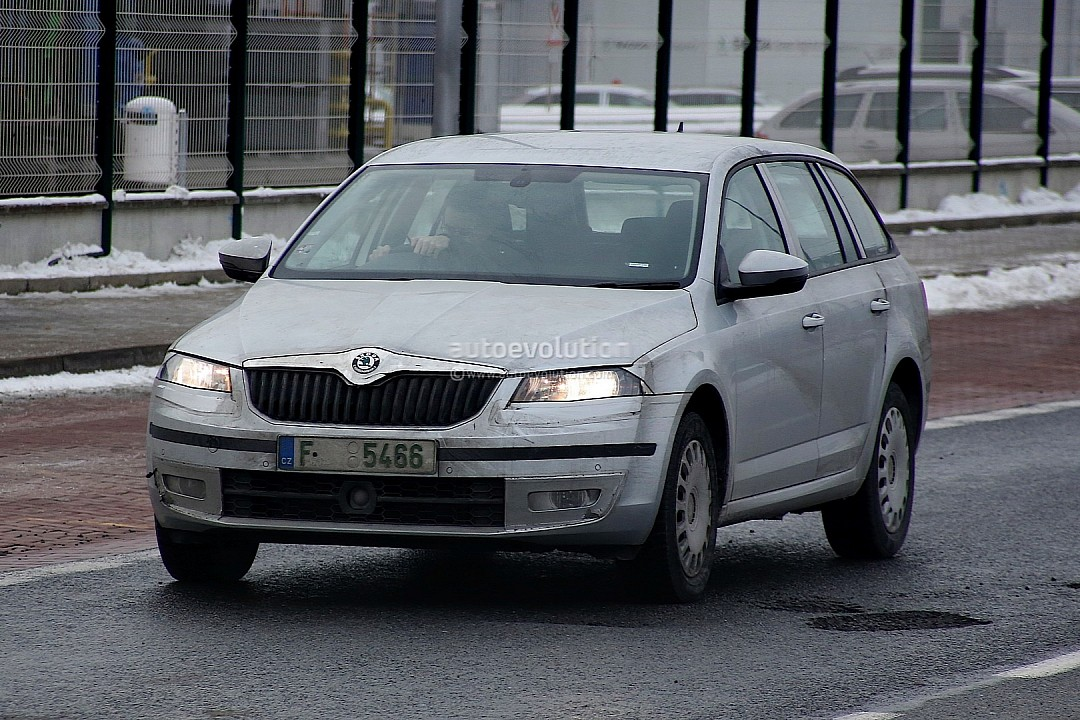 Skoda Octavia Combi Spied